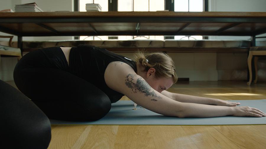 aL-REA-Lena-yoga-01