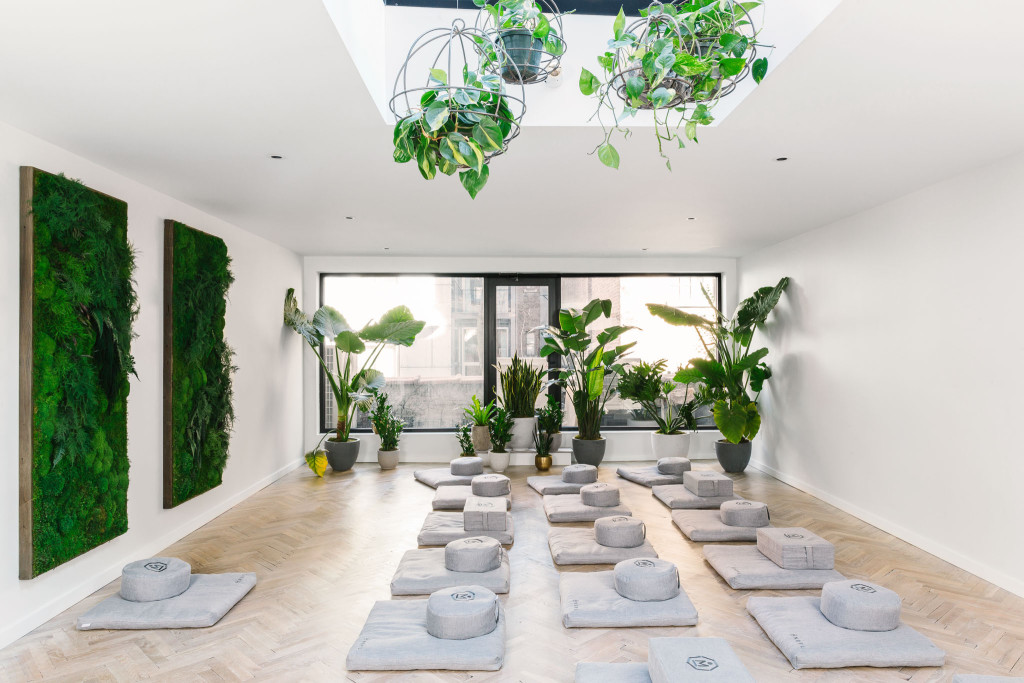 aL-REA-MNDFL-meditation-studio-photo-by-Julia-Robbs
